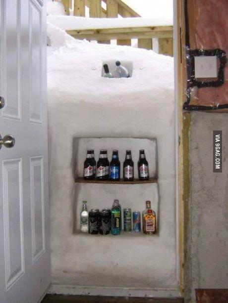 Холодильник из снега