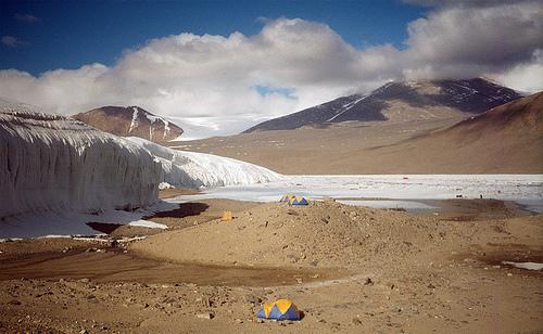 Сухая долина в Антарктиде