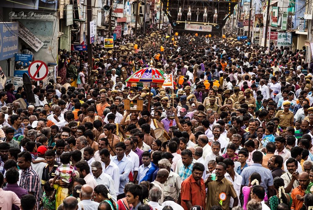 Индийская улица, переполненная народом