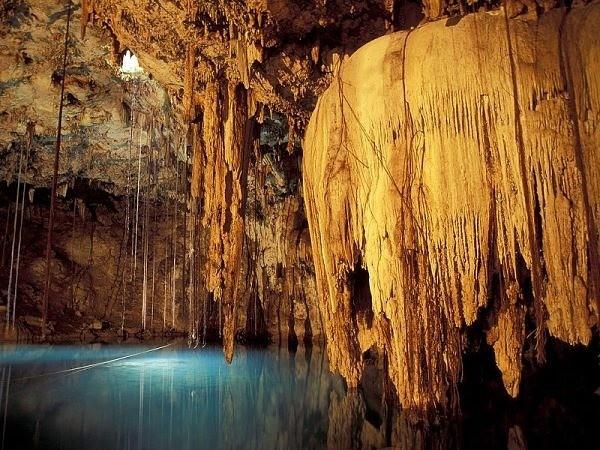 Подземное озеро в Мексике