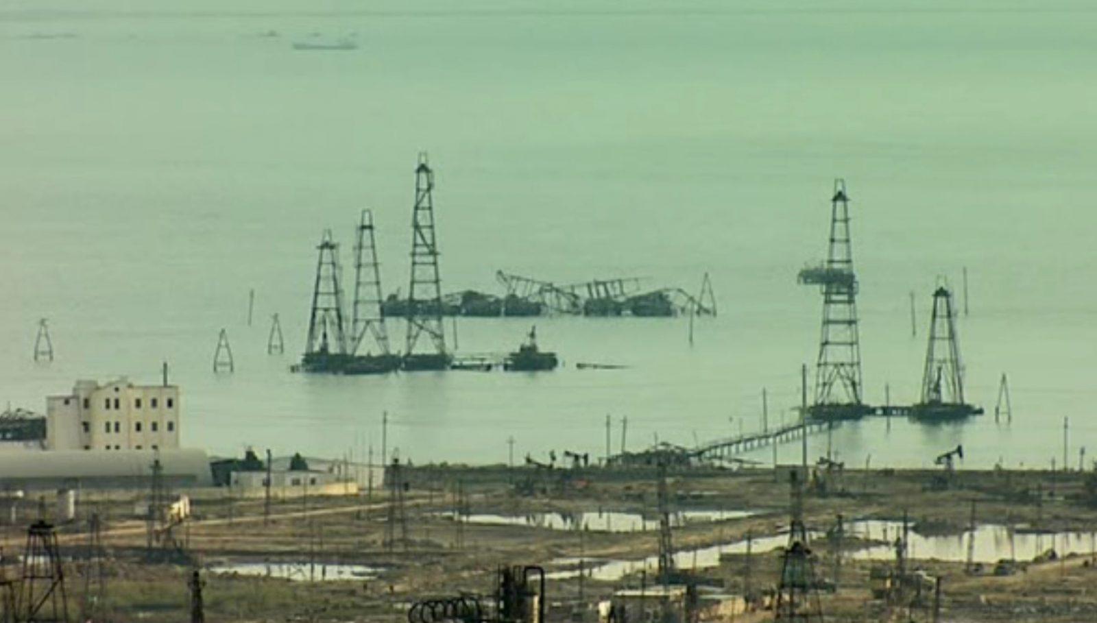 Заброшенные нефтяные шахты Баку