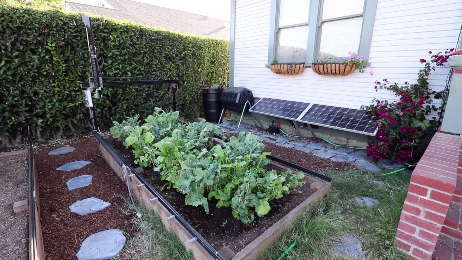 """FarmBot Genesis - """"робоферма"""", которая выращивает овощи без вашего участия"""