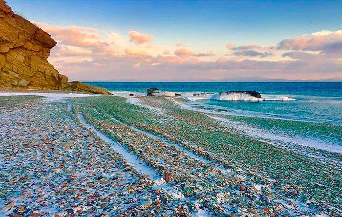 Стеклянный пляж в Приморском крае