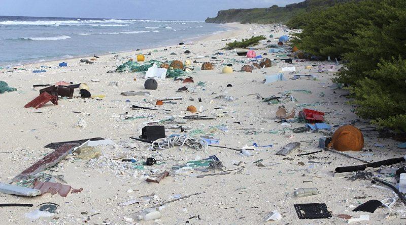 Пластиковый мусор на Тихоокеанском острове