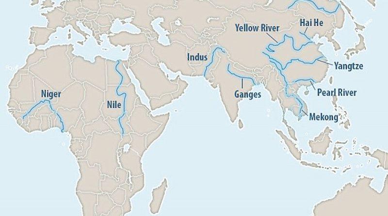 Реки - главные поставщики пластмасс в океаны