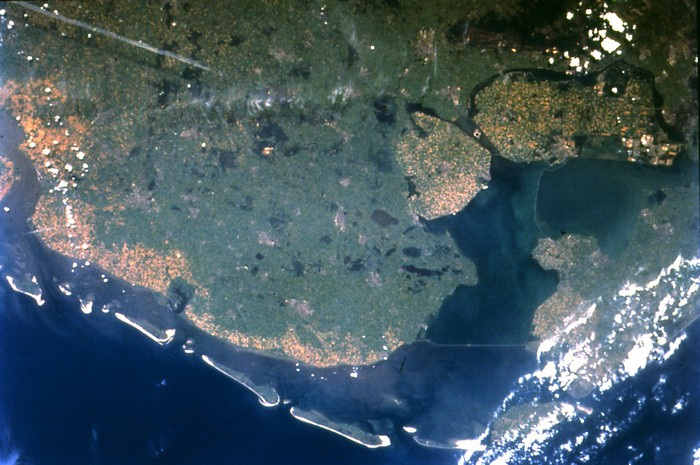 Дамбы и плотины вдоль берегов Северного моря, Нидерланды
